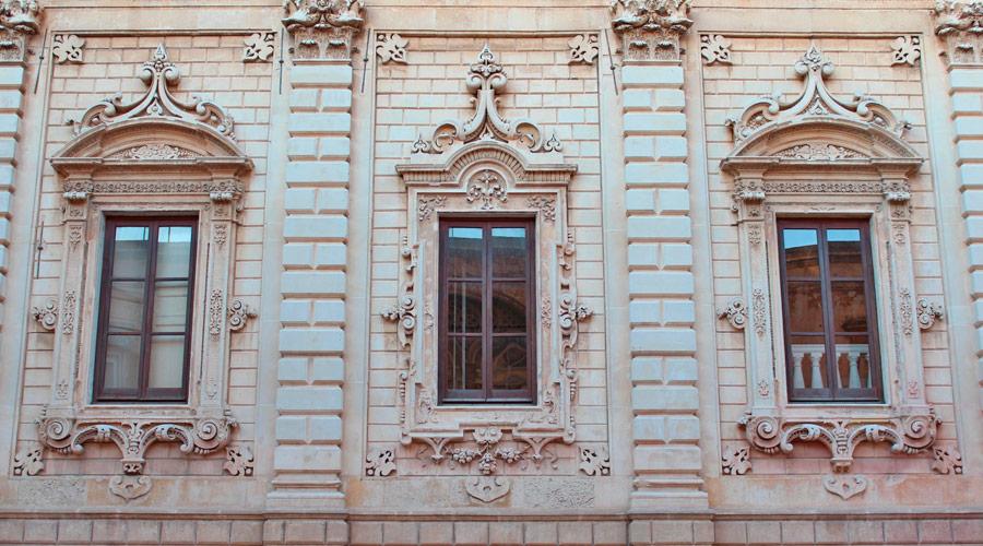 Pietra leccese utilizzata su palazzo dei celestini a Lecce