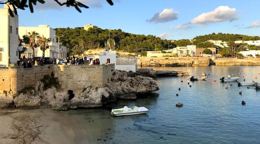 Spiaggia del piccolo porto di Santa Caterina